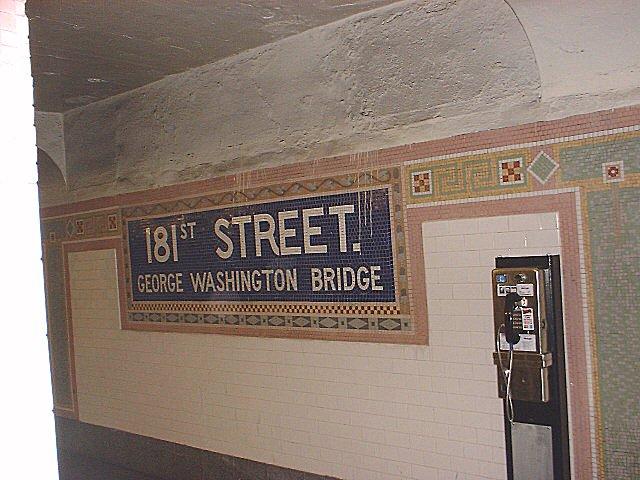 (72k, 640x480)<br><b>Country:</b> United States<br><b>City:</b> New York<br><b>System:</b> New York City Transit<br><b>Line:</b> IRT West Side Line<br><b>Location:</b> 181st Street <br><b>Photo by:</b> Peggy Darlington<br><b>Date:</b> 2001<br><b>Viewed (this week/total):</b> 0 / 2791