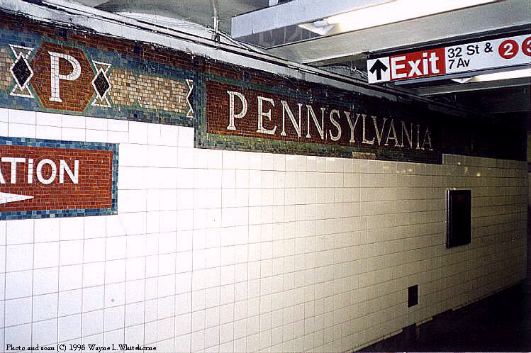 (98k, 749x498)<br><b>Country:</b> United States<br><b>City:</b> New York<br><b>System:</b> New York City Transit<br><b>Line:</b> IRT West Side Line<br><b>Location:</b> 34th Street/Penn Station <br><b>Photo by:</b> Wayne Whitehorne<br><b>Date:</b> 1998<br><b>Viewed (this week/total):</b> 1 / 3418