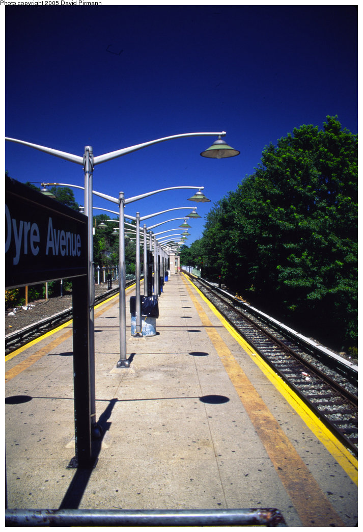(209k, 713x1044)<br><b>Country:</b> United States<br><b>City:</b> New York<br><b>System:</b> New York City Transit<br><b>Line:</b> IRT Dyre Ave. Line<br><b>Location:</b> Dyre Avenue <br><b>Photo by:</b> David Pirmann<br><b>Date:</b> 8/1/1998<br><b>Viewed (this week/total):</b> 0 / 4271