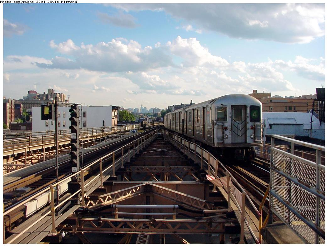 (146k, 1044x788)<br><b>Country:</b> United States<br><b>City:</b> New York<br><b>System:</b> New York City Transit<br><b>Line:</b> IRT Woodlawn Line<br><b>Location:</b> Burnside Avenue <br><b>Route:</b> 4<br><b>Car:</b> R-62 (Kawasaki, 1983-1985)   <br><b>Photo by:</b> David Pirmann<br><b>Date:</b> 7/12/2001<br><b>Viewed (this week/total):</b> 3 / 5845
