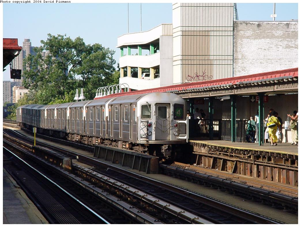(166k, 1044x788)<br><b>Country:</b> United States<br><b>City:</b> New York<br><b>System:</b> New York City Transit<br><b>Line:</b> IRT Woodlawn Line<br><b>Location:</b> Fordham Road <br><b>Route:</b> 4<br><b>Car:</b> R-62 (Kawasaki, 1983-1985)   <br><b>Photo by:</b> David Pirmann<br><b>Date:</b> 7/12/2001<br><b>Viewed (this week/total):</b> 3 / 5153