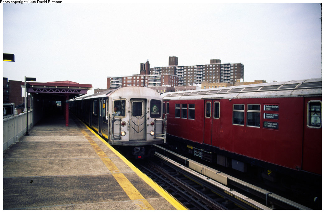 (161k, 1044x685)<br><b>Country:</b> United States<br><b>City:</b> New York<br><b>System:</b> New York City Transit<br><b>Line:</b> IRT Pelham Line<br><b>Location:</b> Buhre Avenue <br><b>Route:</b> 6<br><b>Car:</b> R-62A (Bombardier, 1984-1987)  1811 <br><b>Photo by:</b> David Pirmann<br><b>Date:</b> 7/21/1999<br><b>Viewed (this week/total):</b> 0 / 5158