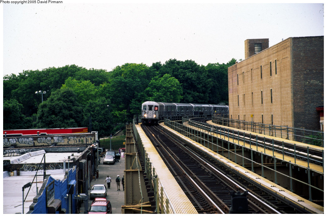 (224k, 1044x692)<br><b>Country:</b> United States<br><b>City:</b> New York<br><b>System:</b> New York City Transit<br><b>Line:</b> IRT Brooklyn Line<br><b>Location:</b> Sutter Avenue/Rutland Road <br><b>Route:</b> 3<br><b>Photo by:</b> David Pirmann<br><b>Date:</b> 7/21/1999<br><b>Viewed (this week/total):</b> 1 / 5175