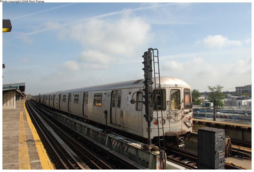 (179k, 1044x706)<br><b>Country:</b> United States<br><b>City:</b> New York<br><b>System:</b> New York City Transit<br><b>Line:</b> BMT Culver Line<br><b>Location:</b> Avenue X <br><b>Route:</b> F<br><b>Car:</b> R-46 (Pullman-Standard, 1974-75) 6092 <br><b>Photo by:</b> Richard Panse<br><b>Date:</b> 9/13/2008<br><b>Viewed (this week/total):</b> 3 / 1216