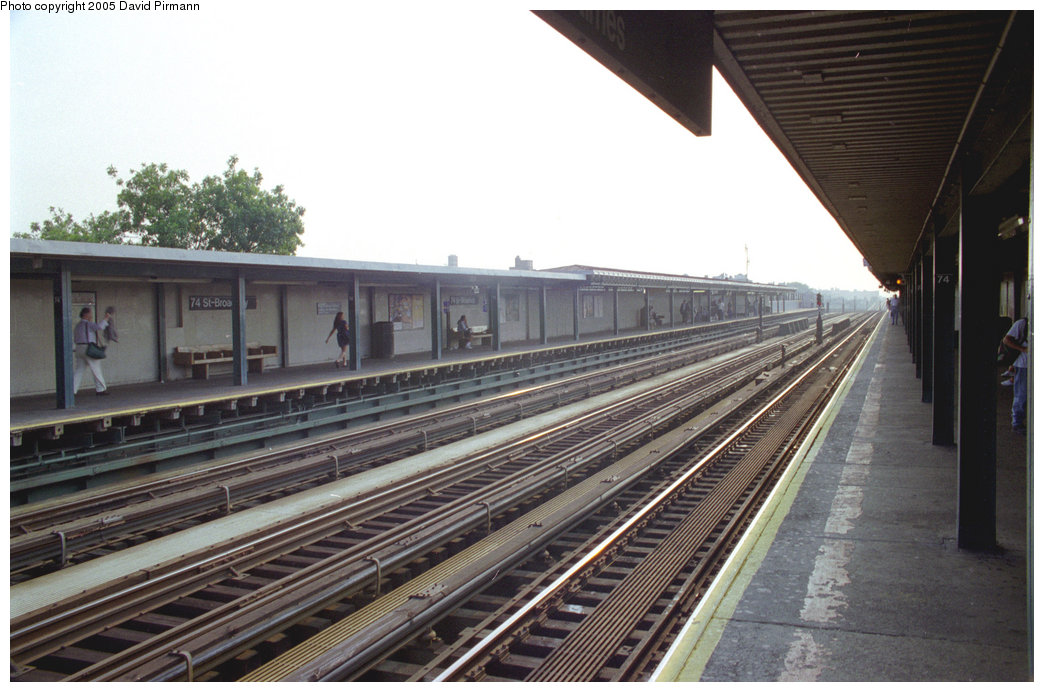 (190k, 1044x692)<br><b>Country:</b> United States<br><b>City:</b> New York<br><b>System:</b> New York City Transit<br><b>Line:</b> IRT Flushing Line<br><b>Location:</b> 74th Street/Broadway <br><b>Route:</b> 7<br><b>Photo by:</b> David Pirmann<br><b>Date:</b> 7/29/1998<br><b>Viewed (this week/total):</b> 5 / 3231