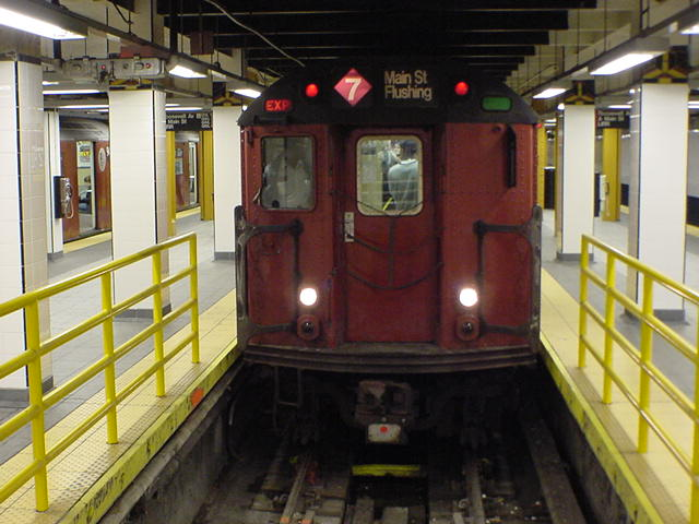 (60k, 640x480)<br><b>Country:</b> United States<br><b>City:</b> New York<br><b>System:</b> New York City Transit<br><b>Line:</b> IRT Flushing Line<br><b>Location:</b> Main Street/Flushing <br><b>Route:</b> 7<br><b>Photo by:</b> Salaam Allah<br><b>Date:</b> 10/24/2000<br><b>Viewed (this week/total):</b> 4 / 6470