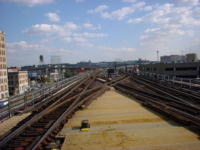 (76k, 640x480)<br><b>Country:</b> United States<br><b>City:</b> New York<br><b>System:</b> New York City Transit<br><b>Line:</b> IRT Flushing Line<br><b>Location:</b> Queensborough Plaza <br><b>Photo by:</b> Peggy Darlington<br><b>Date:</b> 2000<br><b>Viewed (this week/total):</b> 2 / 3089