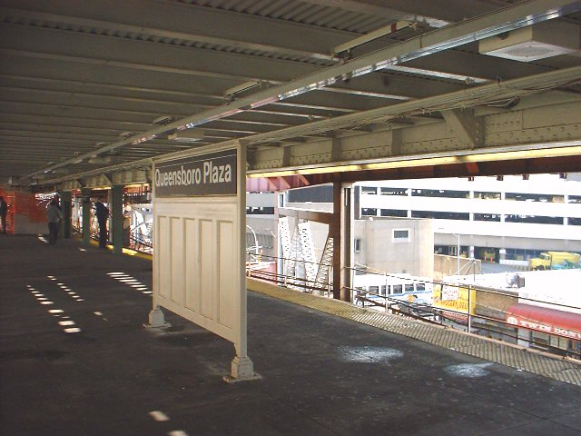 (71k, 640x480)<br><b>Country:</b> United States<br><b>City:</b> New York<br><b>System:</b> New York City Transit<br><b>Line:</b> IRT Flushing Line<br><b>Location:</b> Queensborough Plaza <br><b>Photo by:</b> Peggy Darlington<br><b>Date:</b> 2000<br><b>Viewed (this week/total):</b> 2 / 3071