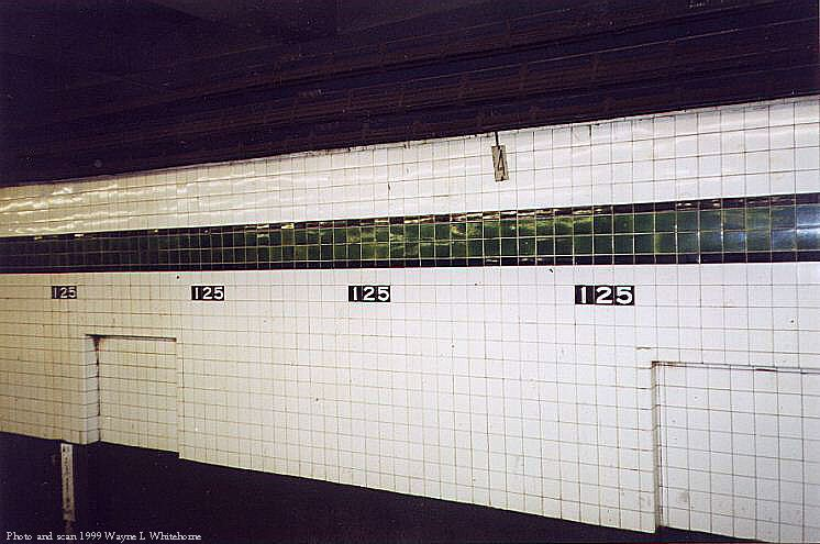 (69k, 746x495)<br><b>Country:</b> United States<br><b>City:</b> New York<br><b>System:</b> New York City Transit<br><b>Line:</b> IND 8th Avenue Line<br><b>Location:</b> 125th Street <br><b>Photo by:</b> Wayne Whitehorne<br><b>Date:</b> 3/27/1999<br><b>Viewed (this week/total):</b> 1 / 3450
