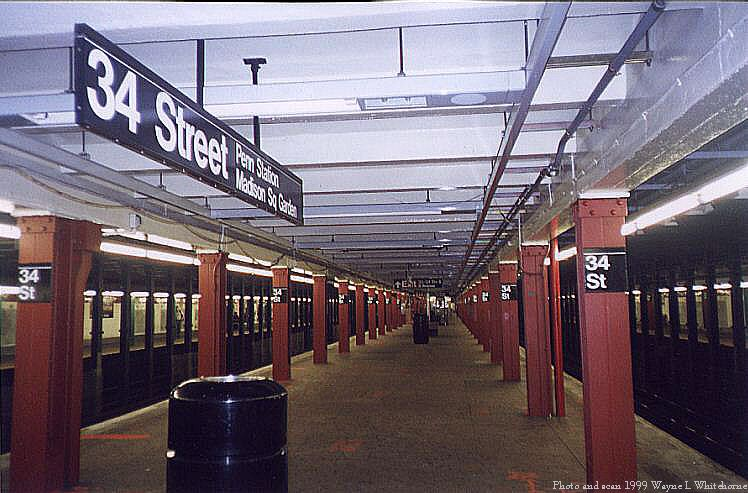 (80k, 748x493)<br><b>Country:</b> United States<br><b>City:</b> New York<br><b>System:</b> New York City Transit<br><b>Line:</b> IND 8th Avenue Line<br><b>Location:</b> 34th Street/Penn Station <br><b>Photo by:</b> Wayne Whitehorne<br><b>Date:</b> 8/14/1999<br><b>Notes:</b> Express platform<br><b>Viewed (this week/total):</b> 5 / 4509