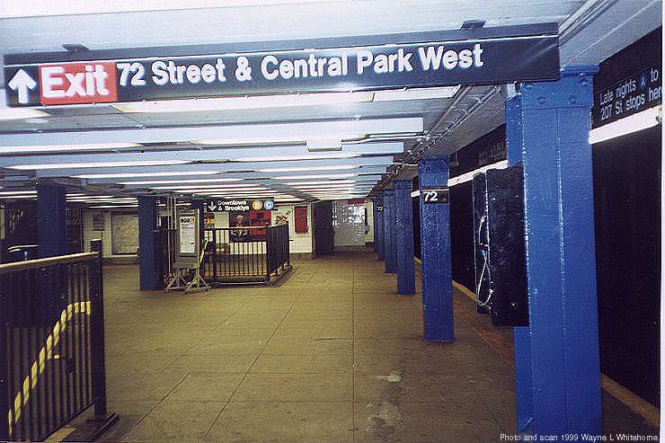 (84k, 740x493)<br><b>Country:</b> United States<br><b>City:</b> New York<br><b>System:</b> New York City Transit<br><b>Line:</b> IND 8th Avenue Line<br><b>Location:</b> 72nd Street <br><b>Photo by:</b> Wayne Whitehorne<br><b>Date:</b> 10/3/1999<br><b>Viewed (this week/total):</b> 3 / 3917