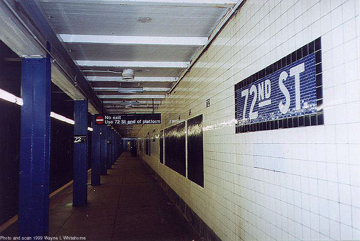 (75k, 740x496)<br><b>Country:</b> United States<br><b>City:</b> New York<br><b>System:</b> New York City Transit<br><b>Line:</b> IND 8th Avenue Line<br><b>Location:</b> 72nd Street <br><b>Photo by:</b> Wayne Whitehorne<br><b>Date:</b> 10/3/1999<br><b>Viewed (this week/total):</b> 11 / 2869