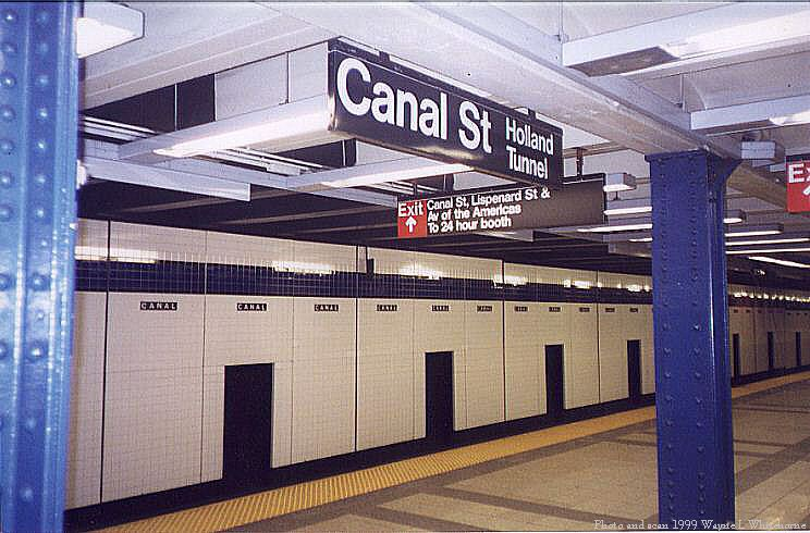 (79k, 744x490)<br><b>Country:</b> United States<br><b>City:</b> New York<br><b>System:</b> New York City Transit<br><b>Line:</b> IND 8th Avenue Line<br><b>Location:</b> Canal Street-Holland Tunnel <br><b>Photo by:</b> Wayne Whitehorne<br><b>Date:</b> 1/16/1999<br><b>Viewed (this week/total):</b> 5 / 3034