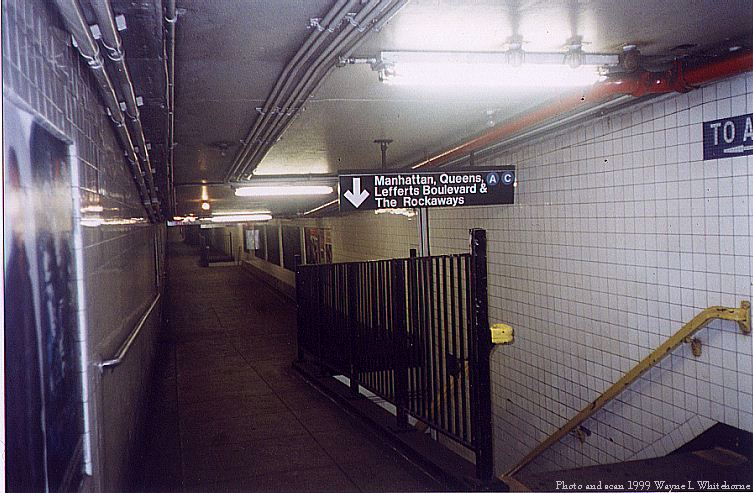 (85k, 753x493)<br><b>Country:</b> United States<br><b>City:</b> New York<br><b>System:</b> New York City Transit<br><b>Line:</b> IND 8th Avenue Line<br><b>Location:</b> High Street/Brooklyn Bridge <br><b>Photo by:</b> Wayne Whitehorne<br><b>Date:</b> 8/14/1999<br><b>Notes:</b> Station mezzanine<br><b>Viewed (this week/total):</b> 0 / 4977