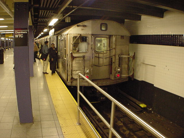 (60k, 640x480)<br><b>Country:</b> United States<br><b>City:</b> New York<br><b>System:</b> New York City Transit<br><b>Line:</b> IND 8th Avenue Line<br><b>Location:</b> Chambers Street/World Trade Center <br><b>Route:</b> E<br><b>Car:</b> R-32 (Budd, 1964)   <br><b>Photo by:</b> Salaam Allah<br><b>Date:</b> 10/27/2000<br><b>Notes:</b> E platform<br><b>Viewed (this week/total):</b> 2 / 4874
