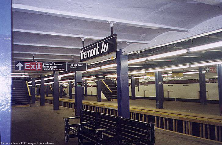 (75k, 727x477)<br><b>Country:</b> United States<br><b>City:</b> New York<br><b>System:</b> New York City Transit<br><b>Line:</b> IND Concourse Line<br><b>Location:</b> Tremont Avenue <br><b>Photo by:</b> Wayne Whitehorne<br><b>Date:</b> 9/24/1999<br><b>Viewed (this week/total):</b> 2 / 4736