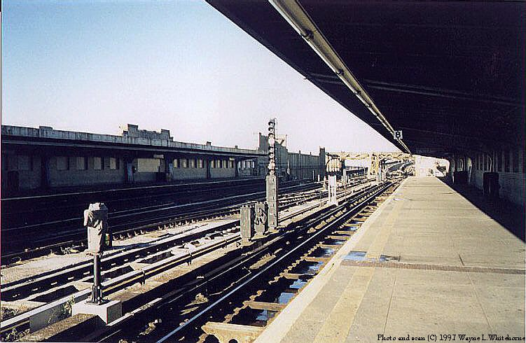 (99k, 751x490)<br><b>Country:</b> United States<br><b>City:</b> New York<br><b>System:</b> New York City Transit<br><b>Line:</b> IND Crosstown Line<br><b>Location:</b> 4th Avenue <br><b>Photo by:</b> Wayne Whitehorne<br><b>Date:</b> 12/26/1997<br><b>Viewed (this week/total):</b> 0 / 2270