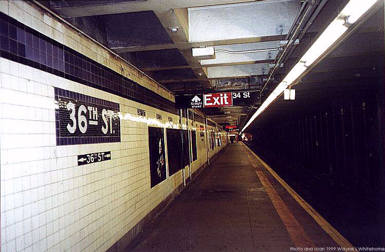 (72k, 750x490)<br><b>Country:</b> United States<br><b>City:</b> New York<br><b>System:</b> New York City Transit<br><b>Line:</b> IND Queens Boulevard Line<br><b>Location:</b> 36th Street <br><b>Photo by:</b> Wayne Whitehorne<br><b>Date:</b> 12/11/1999<br><b>Viewed (this week/total):</b> 2 / 2825