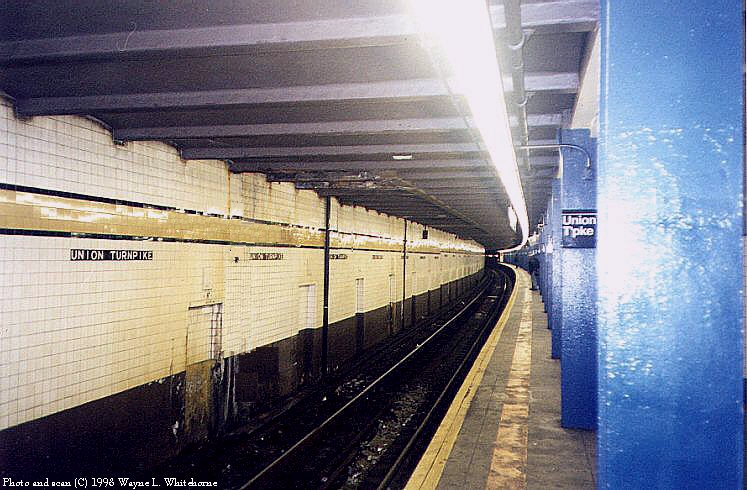 (93k, 747x490)<br><b>Country:</b> United States<br><b>City:</b> New York<br><b>System:</b> New York City Transit<br><b>Line:</b> IND Queens Boulevard Line<br><b>Location:</b> Union Turnpike/Kew Gardens <br><b>Photo by:</b> Wayne Whitehorne<br><b>Date:</b> 4/18/1998<br><b>Viewed (this week/total):</b> 5 / 2853