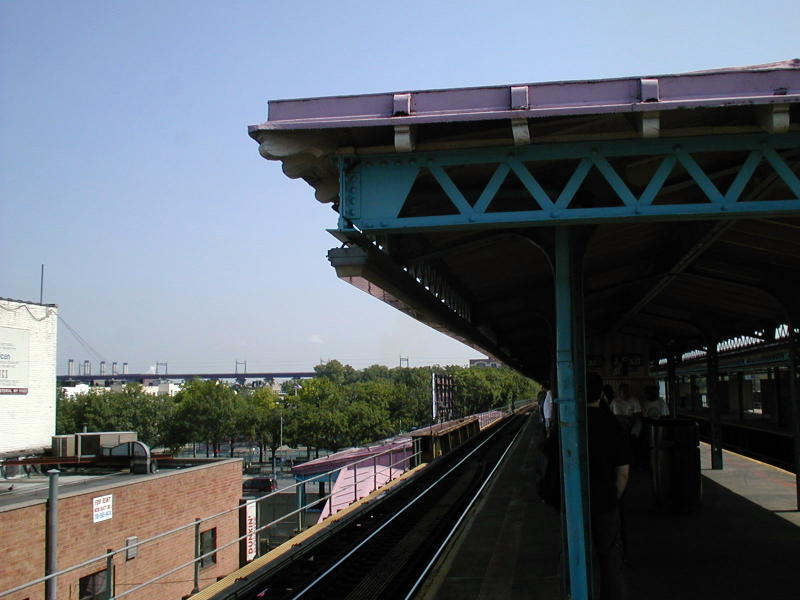 (67k, 800x600)<br><b>Country:</b> United States<br><b>City:</b> New York<br><b>System:</b> New York City Transit<br><b>Line:</b> BMT Astoria Line<br><b>Location:</b> Astoria Boulevard/Hoyt Avenue <br><b>Route:</b> N<br><b>Photo by:</b> Todd Glickman<br><b>Date:</b> 8/10/2000<br><b>Viewed (this week/total):</b> 1 / 1979