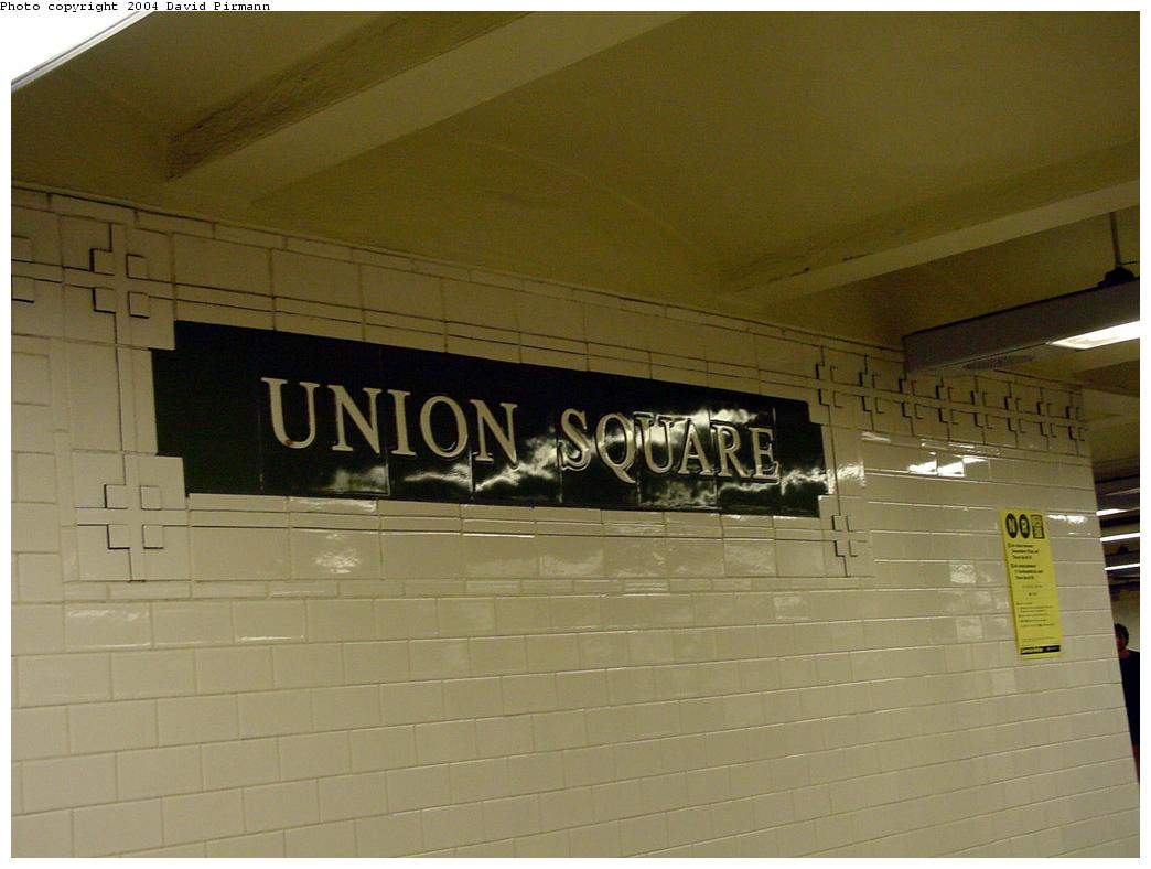 (89k, 1044x788)<br><b>Country:</b> United States<br><b>City:</b> New York<br><b>System:</b> New York City Transit<br><b>Line:</b> BMT Broadway Line<br><b>Location:</b> 14th Street/Union Square <br><b>Photo by:</b> David Pirmann<br><b>Date:</b> 7/3/2000<br><b>Viewed (this week/total):</b> 5 / 3007