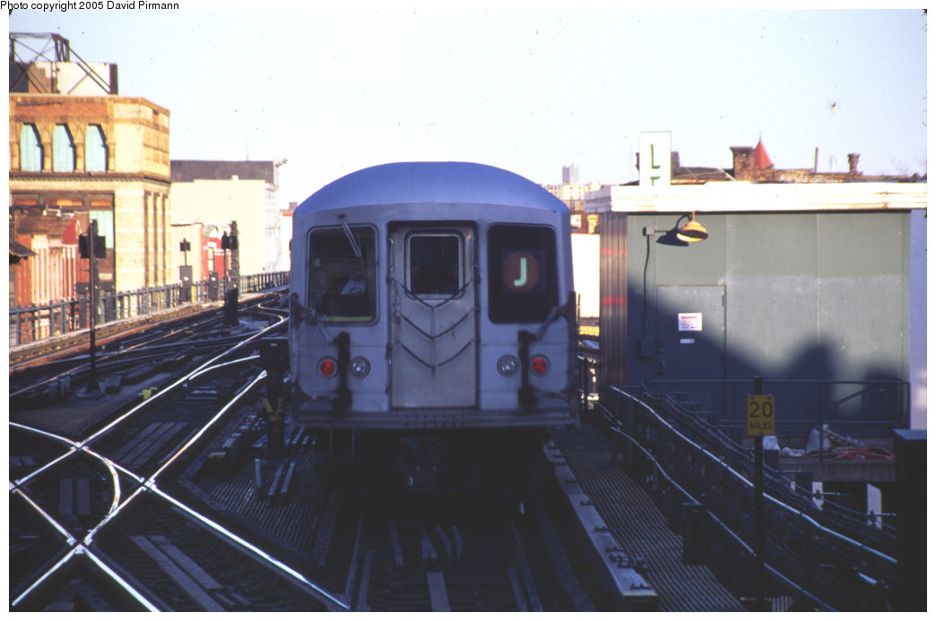 (148k, 1044x693)<br><b>Country:</b> United States<br><b>City:</b> New York<br><b>System:</b> New York City Transit<br><b>Line:</b> BMT Nassau Street/Jamaica Line<br><b>Location:</b> Myrtle Avenue <br><b>Route:</b> J<br><b>Car:</b> R-42 (St. Louis, 1969-1970)   <br><b>Photo by:</b> David Pirmann<br><b>Date:</b> 4/30/1999<br><b>Notes:</b> J train departing Myrtle Avenue<br><b>Viewed (this week/total):</b> 0 / 2495