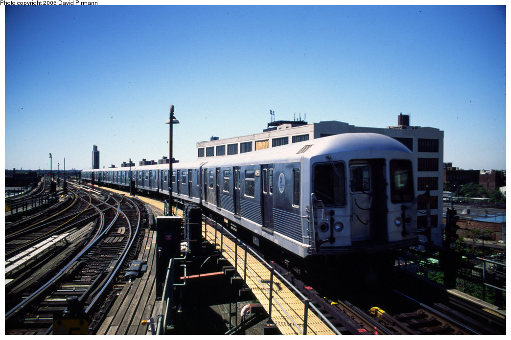 (184k, 1044x695)<br><b>Country:</b> United States<br><b>City:</b> New York<br><b>System:</b> New York City Transit<br><b>Line:</b> BMT Canarsie Line<br><b>Location:</b> Atlantic Avenue <br><b>Route:</b> L<br><b>Car:</b> R-42 (St. Louis, 1969-1970)  4755 <br><b>Photo by:</b> David Pirmann<br><b>Date:</b> 8/1/1998<br><b>Notes:</b> Train departing Atlantic Avenue heading south<br><b>Viewed (this week/total):</b> 0 / 3834