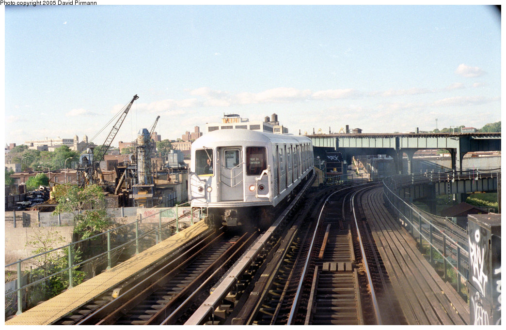 (218k, 1044x682)<br><b>Country:</b> United States<br><b>City:</b> New York<br><b>System:</b> New York City Transit<br><b>Line:</b> BMT Canarsie Line<br><b>Location:</b> Sutter Avenue <br><b>Route:</b> L<br><b>Photo by:</b> David Pirmann<br><b>Date:</b> 9/24/1995<br><b>Notes:</b> View from Sutter Avenue station with abandoned Fulton El turnout in background; the El was abandoned around 1956<br><b>Viewed (this week/total):</b> 4 / 2804