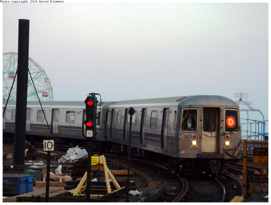 (101k, 1044x788)<br><b>Country:</b> United States<br><b>City:</b> New York<br><b>System:</b> New York City Transit<br><b>Location:</b> Coney Island/Stillwell Avenue<br><b>Route:</b> D<br><b>Car:</b> R-68/R-68A Series (Number Unknown)  <br><b>Photo by:</b> David Pirmann<br><b>Date:</b> 5/17/2000<br><b>Viewed (this week/total):</b> 0 / 5017