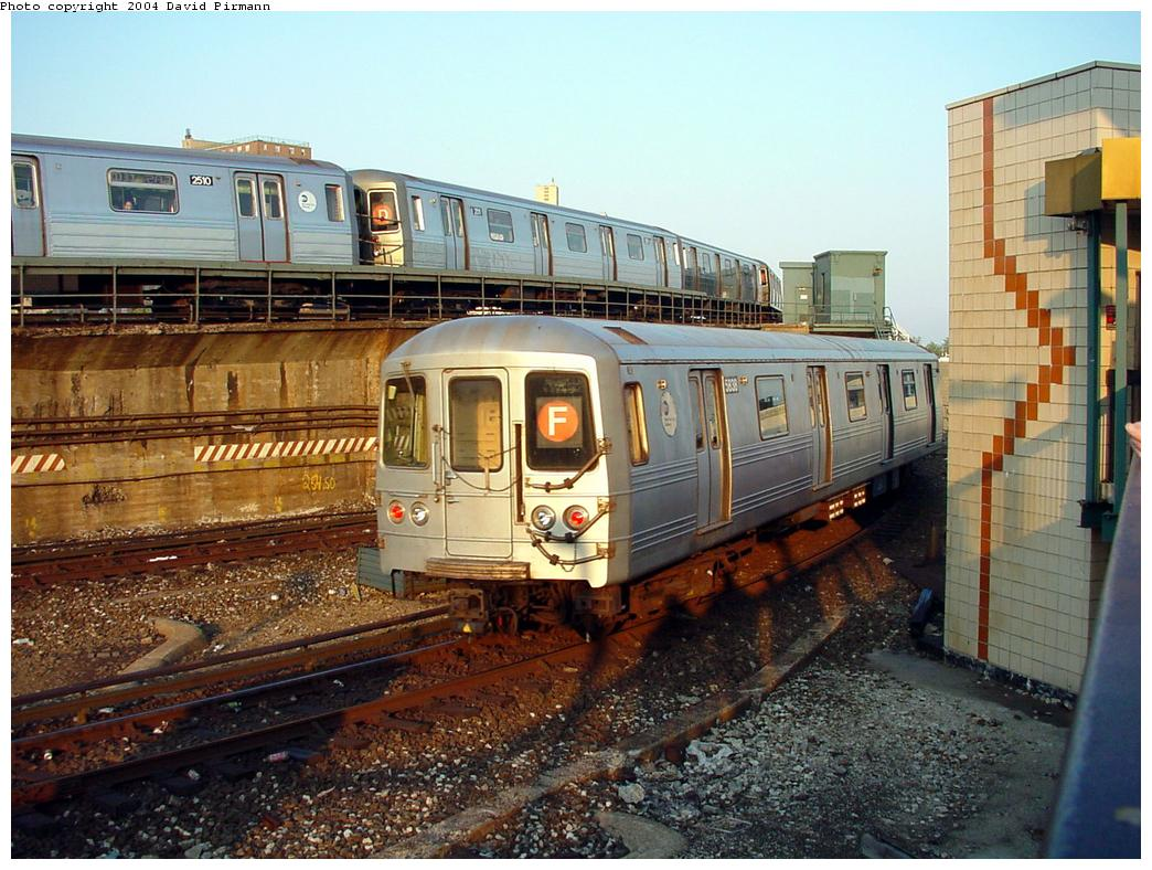 (158k, 1044x788)<br><b>Country:</b> United States<br><b>City:</b> New York<br><b>System:</b> New York City Transit<br><b>Location:</b> Coney Island/Stillwell Avenue<br><b>Route:</b> F<br><b>Car:</b> R-46 (Pullman-Standard, 1974-75) 5838 <br><b>Photo by:</b> David Pirmann<br><b>Date:</b> 5/17/2000<br><b>Viewed (this week/total):</b> 20 / 9814