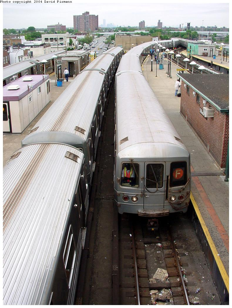 (164k, 790x1047)<br><b>Country:</b> United States<br><b>City:</b> New York<br><b>System:</b> New York City Transit<br><b>Location:</b> Coney Island/Stillwell Avenue<br><b>Route:</b> F<br><b>Car:</b> R-46 (Pullman-Standard, 1974-75)  <br><b>Photo by:</b> David Pirmann<br><b>Date:</b> 6/18/2000<br><b>Viewed (this week/total):</b> 2 / 4416