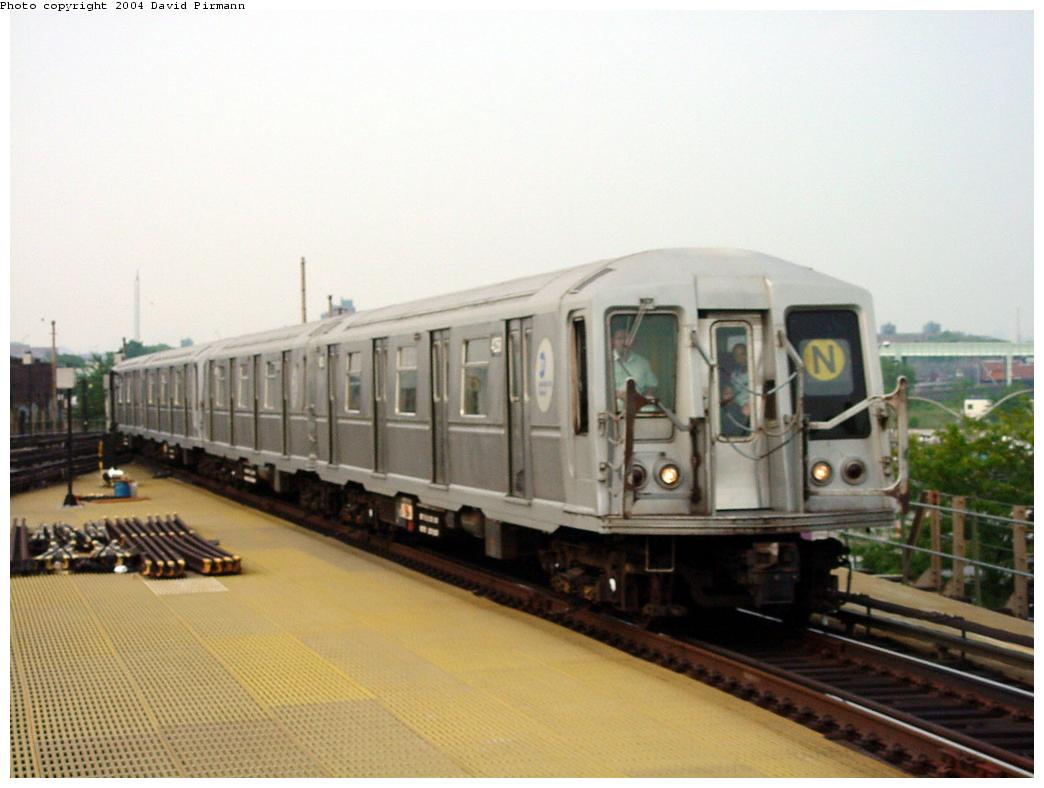 (93k, 1044x788)<br><b>Country:</b> United States<br><b>City:</b> New York<br><b>System:</b> New York City Transit<br><b>Location:</b> Coney Island/Stillwell Avenue<br><b>Route:</b> N<br><b>Car:</b> R-40 (St. Louis, 1968)   <br><b>Photo by:</b> David Pirmann<br><b>Date:</b> 8/27/2000<br><b>Viewed (this week/total):</b> 0 / 4001