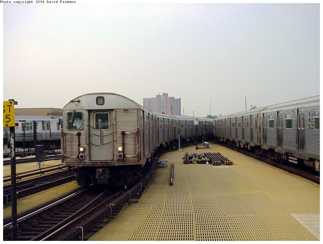 (133k, 1044x788)<br><b>Country:</b> United States<br><b>City:</b> New York<br><b>System:</b> New York City Transit<br><b>Location:</b> Coney Island/Stillwell Avenue<br><b>Route:</b> N<br><b>Car:</b> R-32 (Budd, 1964)   <br><b>Photo by:</b> David Pirmann<br><b>Date:</b> 8/27/2000<br><b>Viewed (this week/total):</b> 1 / 4015