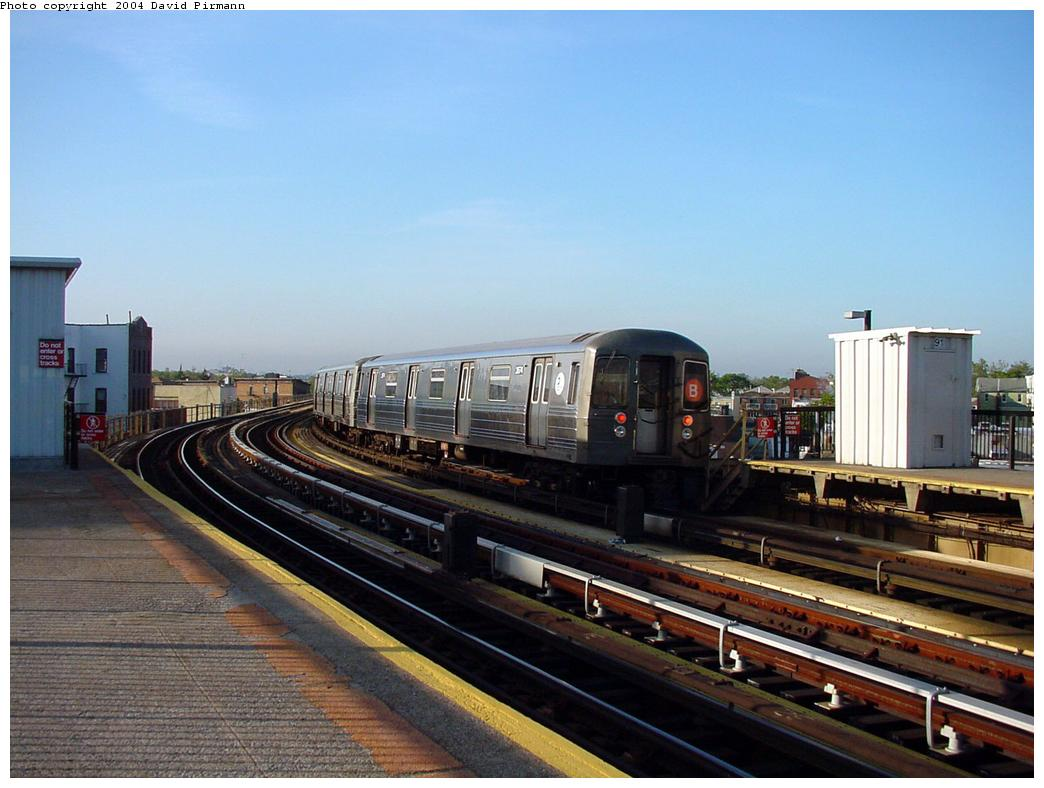 (114k, 1044x788)<br><b>Country:</b> United States<br><b>City:</b> New York<br><b>System:</b> New York City Transit<br><b>Line:</b> BMT West End Line<br><b>Location:</b> 18th Avenue <br><b>Car:</b> R-68 (Westinghouse-Amrail, 1986-1988)  2574 <br><b>Photo by:</b> David Pirmann<br><b>Date:</b> 5/31/2000<br><b>Viewed (this week/total):</b> 1 / 3706