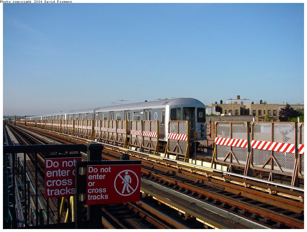 (136k, 1044x788)<br><b>Country:</b> United States<br><b>City:</b> New York<br><b>System:</b> New York City Transit<br><b>Line:</b> BMT West End Line<br><b>Location:</b> 71st Street <br><b>Car:</b> R-40M (St. Louis, 1969)  4430 <br><b>Photo by:</b> David Pirmann<br><b>Date:</b> 5/31/2000<br><b>Viewed (this week/total):</b> 0 / 3102