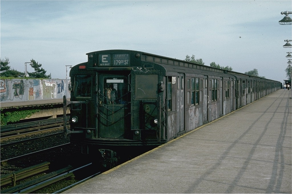 (211k, 1024x683)<br><b>Country:</b> United States<br><b>City:</b> New York<br><b>System:</b> New York City Transit<br><b>Line:</b> IND Rockaway<br><b>Location:</b> Aqueduct/North Conduit Avenue <br><b>Route:</b> E<br><b>Car:</b> R-4 (American Car & Foundry, 1932-1933) 1009 (ex-823)<br><b>Photo by:</b> Joe Testagrose<br><b>Date:</b> 5/28/1976<br><b>Viewed (this week/total):</b> 1 / 3955