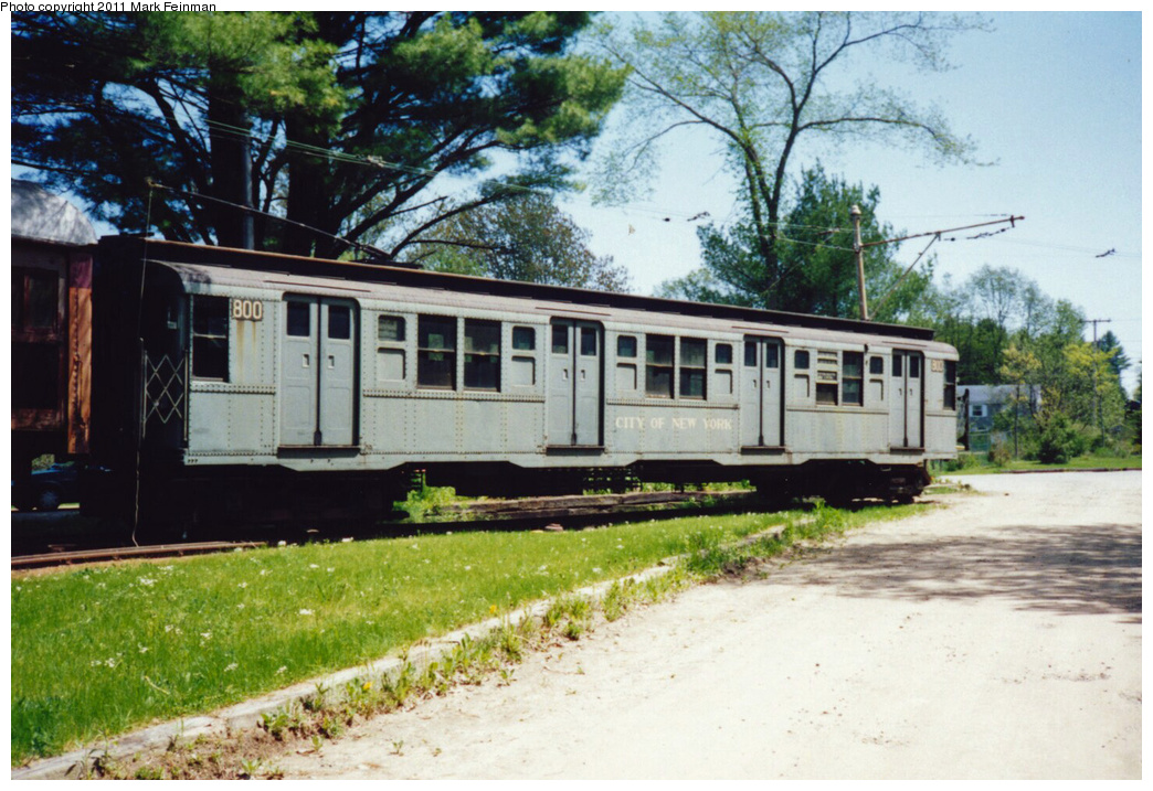 (391k, 1044x717)<br><b>Country:</b> United States<br><b>City:</b> Kennebunk, ME<br><b>System:</b> Seashore Trolley Museum <br><b>Car:</b> R-4 (American Car & Foundry, 1932-1933) 800 <br><b>Photo by:</b> Mark S. Feinman<br><b>Date:</b> 9/5/1994<br><b>Viewed (this week/total):</b> 1 / 3315