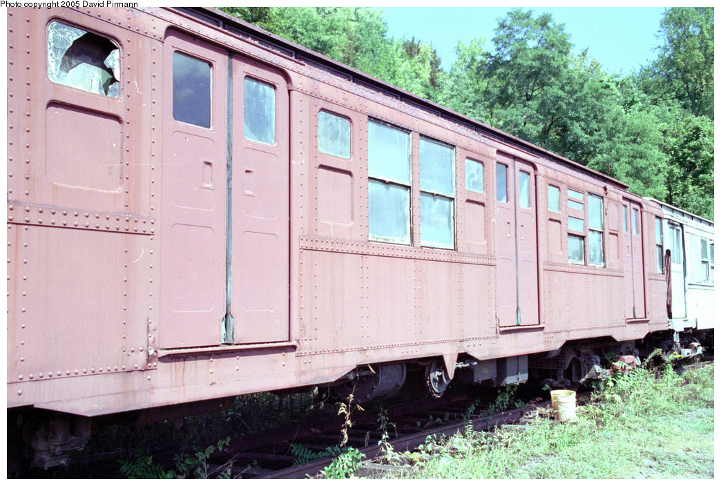 (253k, 1044x704)<br><b>Country:</b> United States<br><b>City:</b> Kingston, NY<br><b>System:</b> Trolley Museum of New York <br><b>Car:</b> R-4 (American Car & Foundry, 1932-1933) 825 <br><b>Photo by:</b> David Pirmann<br><b>Date:</b> 8/1996<br><b>Viewed (this week/total):</b> 0 / 4541
