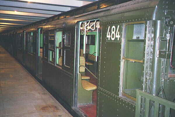(124k, 600x400)<br><b>Country:</b> United States<br><b>City:</b> New York<br><b>System:</b> New York City Transit<br><b>Location:</b> New York Transit Museum<br><b>Car:</b> R-4 (American Car & Foundry, 1932-1933) 484 <br><b>Photo by:</b> Sidney Keyles<br><b>Date:</b> 5/23/1999<br><b>Viewed (this week/total):</b> 4 / 3633