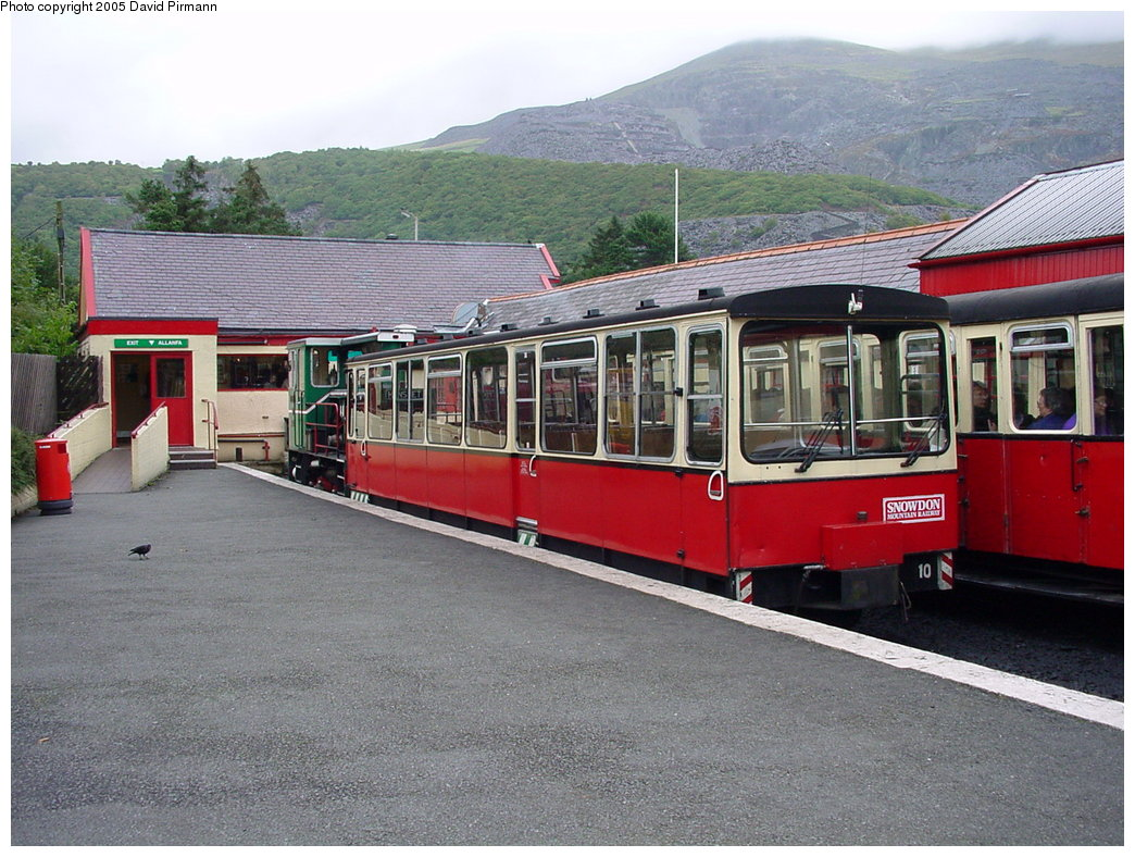 (211k, 1044x788)<br><b>Country:</b> United Kingdom<br><b>System:</b> Snowdon Mountain Railway <br><b>Photo by:</b> David Pirmann<br><b>Date:</b> 9/8/2000<br><b>Viewed (this week/total):</b> 0 / 1218
