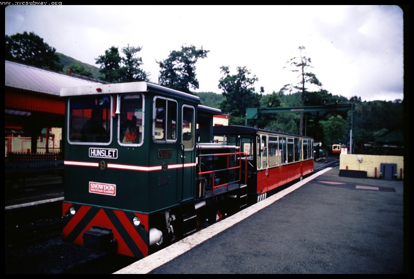 (101k, 820x553)<br><b>Country:</b> United Kingdom<br><b>System:</b> Snowdon Mountain Railway <br><b>Photo by:</b> David Pirmann<br><b>Date:</b> 9/8/2000<br><b>Viewed (this week/total):</b> 1 / 1351