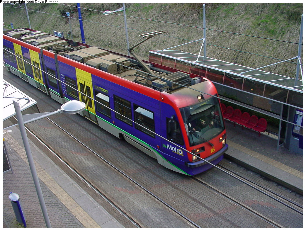 (251k, 1044x788)<br><b>Country:</b> United Kingdom<br><b>City:</b> Birmingham <br><b>System:</b> Midland Metro<br><b>Location:</b> Lodge Road/West Bromwich Town Hall <br><b>Car:</b>  16 <br><b>Photo by:</b> David Pirmann<br><b>Date:</b> 3/29/2001<br><b>Viewed (this week/total):</b> 3 / 1596