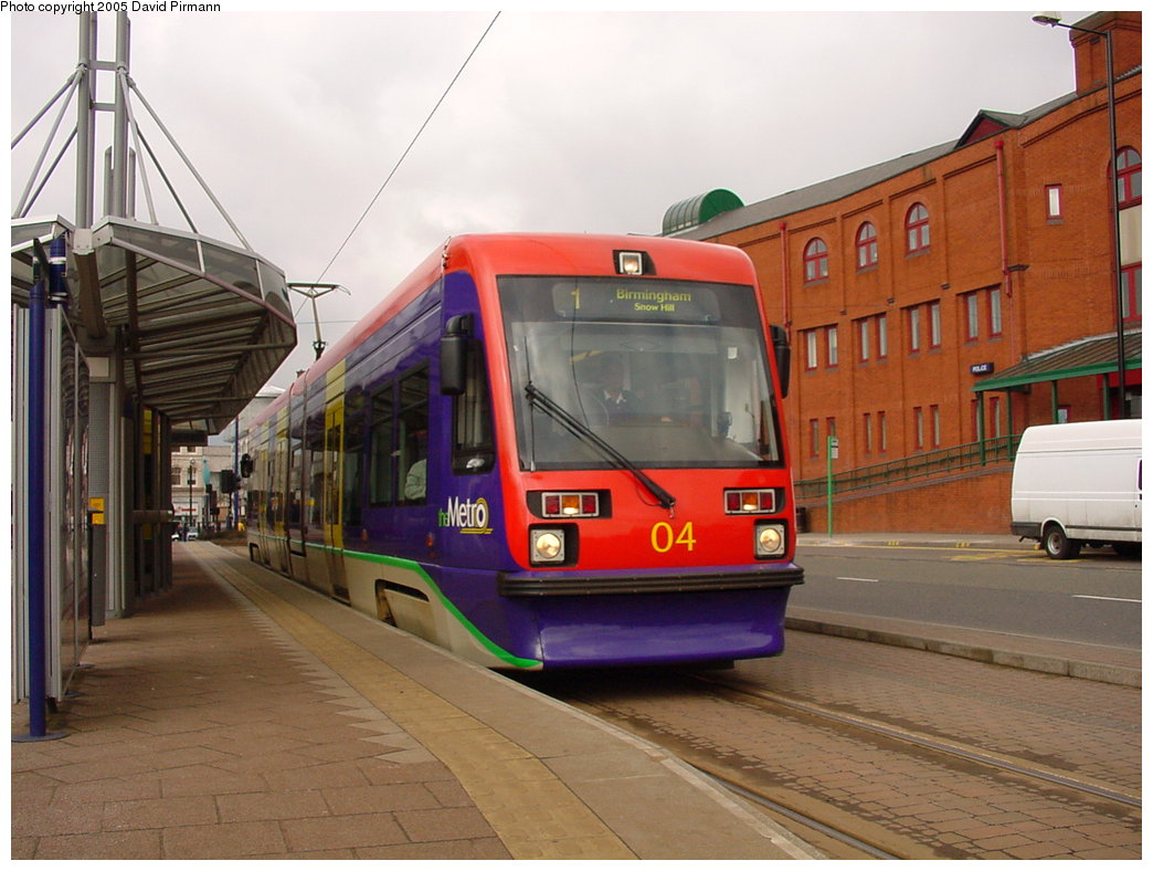 (166k, 1044x788)<br><b>Country:</b> United Kingdom<br><b>City:</b> Birmingham <br><b>System:</b> Midland Metro<br><b>Location:</b> Wolverhampton St. George's <br><b>Car:</b>  04 <br><b>Photo by:</b> David Pirmann<br><b>Date:</b> 3/29/2001<br><b>Viewed (this week/total):</b> 1 / 1402
