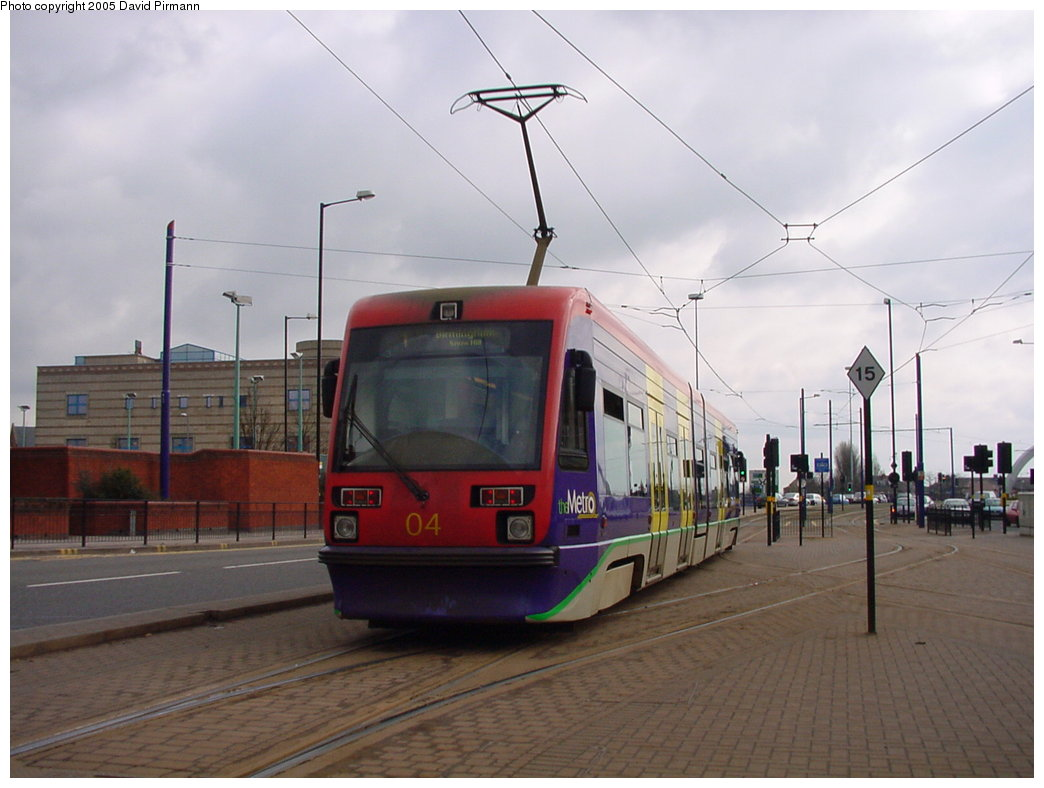 (136k, 1044x788)<br><b>Country:</b> United Kingdom<br><b>City:</b> Birmingham <br><b>System:</b> Midland Metro<br><b>Location:</b> Wolverhampton St. George's <br><b>Car:</b>  04 <br><b>Photo by:</b> David Pirmann<br><b>Date:</b> 3/29/2001<br><b>Viewed (this week/total):</b> 0 / 1269