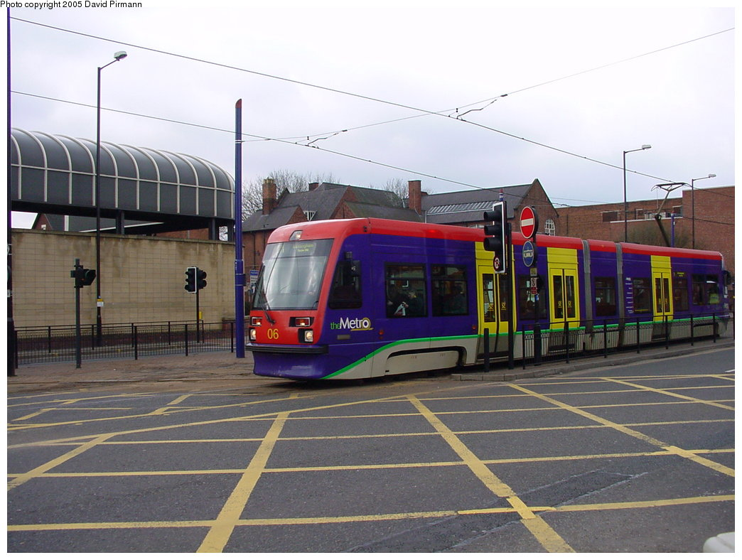 (168k, 1044x788)<br><b>Country:</b> United Kingdom<br><b>City:</b> Birmingham <br><b>System:</b> Midland Metro<br><b>Location:</b> Wolverhampton St. George's <br><b>Car:</b>  06 <br><b>Photo by:</b> David Pirmann<br><b>Date:</b> 3/29/2001<br><b>Viewed (this week/total):</b> 3 / 1495