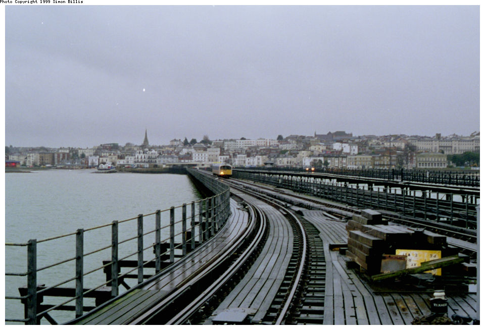 (117k, 960x654)<br><b>Country:</b> United Kingdom<br><b>City:</b> Isle of Wight<br><b>System:</b> Island Line<br><b>Location:</b> Ryde Pier Head <br><b>Route:</b> Isle of Wight<br><b>Photo by:</b> Simon Billis<br><b>Date:</b> 1/2000<br><b>Viewed (this week/total):</b> 0 / 3323