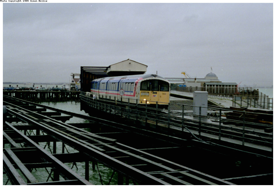 (103k, 960x654)<br><b>Country:</b> United Kingdom<br><b>City:</b> Isle of Wight<br><b>System:</b> Island Line<br><b>Location:</b> Ryde Pier Head <br><b>Route:</b> Isle of Wight<br><b>Photo by:</b> Simon Billis<br><b>Date:</b> 1/2000<br><b>Viewed (this week/total):</b> 0 / 3197