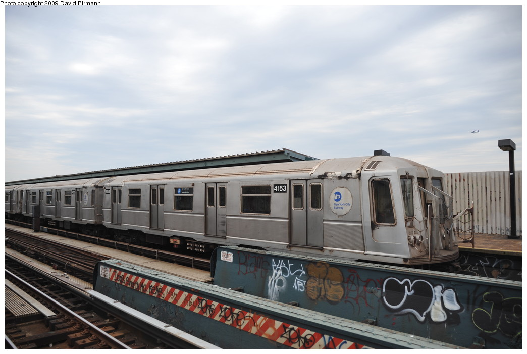 (217k, 1044x701)<br><b>Country:</b> United States<br><b>City:</b> New York<br><b>System:</b> New York City Transit<br><b>Line:</b> IND Fulton Street Line<br><b>Location:</b> 80th Street/Hudson Street <br><b>Route:</b> A<br><b>Car:</b> R-40 (St. Louis, 1968)  4153 <br><b>Photo by:</b> David Pirmann<br><b>Date:</b> 4/10/2009<br><b>Viewed (this week/total):</b> 0 / 637