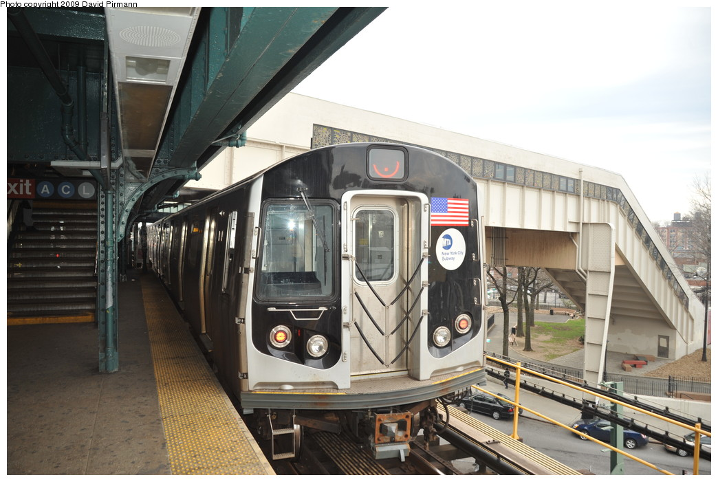 (258k, 1044x701)<br><b>Country:</b> United States<br><b>City:</b> New York<br><b>System:</b> New York City Transit<br><b>Line:</b> BMT Nassau Street/Jamaica Line<br><b>Location:</b> Broadway/East New York (Broadway Junction) <br><b>Route:</b> J<br><b>Car:</b> R-160A-1 (Alstom, 2005-2008, 4 car sets)  8536 <br><b>Photo by:</b> David Pirmann<br><b>Date:</b> 4/10/2009<br><b>Viewed (this week/total):</b> 0 / 1165