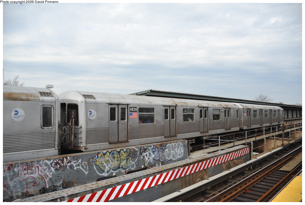 (238k, 1044x701)<br><b>Country:</b> United States<br><b>City:</b> New York<br><b>System:</b> New York City Transit<br><b>Line:</b> BMT Nassau Street/Jamaica Line<br><b>Location:</b> Woodhaven Boulevard <br><b>Route:</b> J<br><b>Car:</b> R-42 (St. Louis, 1969-1970)  4829 <br><b>Photo by:</b> David Pirmann<br><b>Date:</b> 4/10/2009<br><b>Viewed (this week/total):</b> 0 / 901